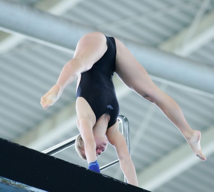 У русских спортсменок под юбкой бесплатно 17 фотография