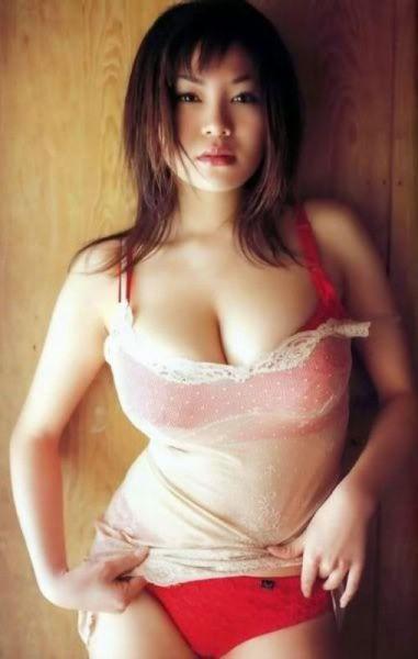 качественные фото девушек с большой грудью