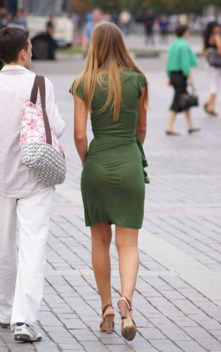 Прозрачные платья на девках