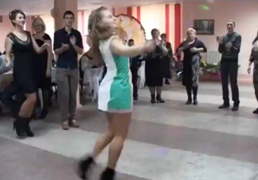 zazhigatelnie-devushki-video